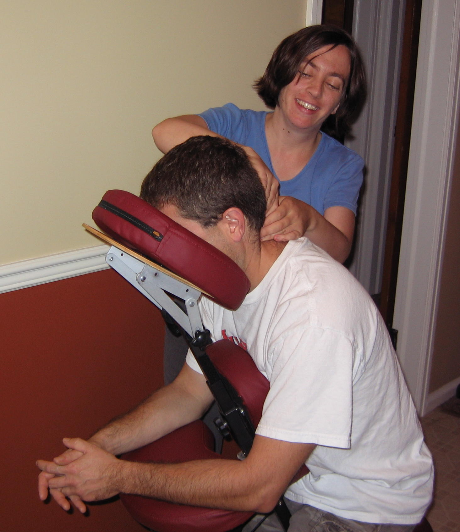 Chair massage for tight neck muscles